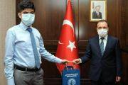 Türkiye'de yüksek lisansı tamamlayan ilk otizmli oldu